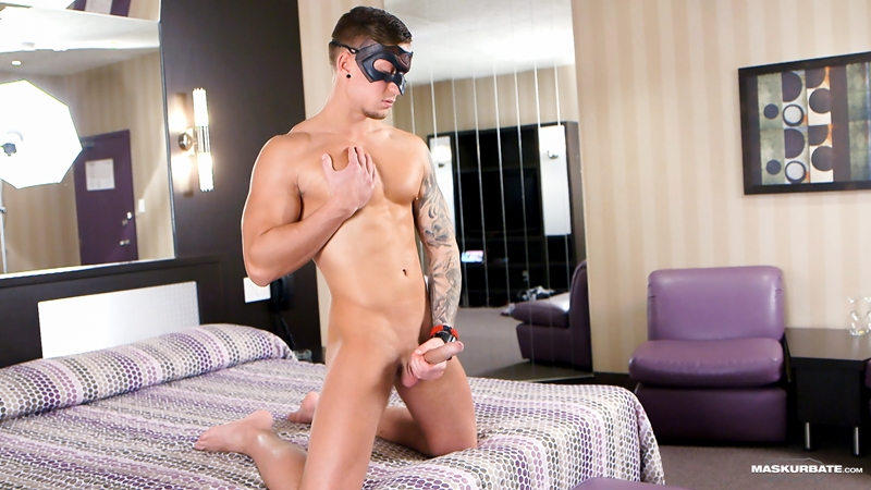 Maskurbate-Vince-muscular-body-bubble-butt-9-inch-uncut-cock-foreskin-sexy-dude-exhibitionist-sex-jerking-hardon-007-tube-video-gay-porn-gallery-sexpics-photo